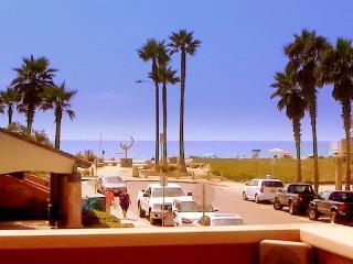 Ocean Breeze: Spectacular Corner Unit + Beach Views + Atrium Loft Office - Imperial Beach vacation rentals