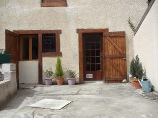 Mountain Village House in Ariege Pyrenees - Les Cabannes vacation rentals