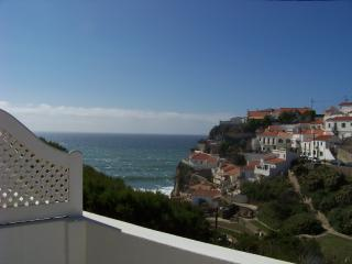 Charming 1 bedroom Azenhas do Mar Chalet with Internet Access - Azenhas do Mar vacation rentals