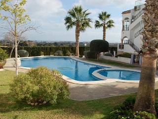 Villamartin 2 Bed Bungalow in the Violetas,Perfect - Villamartin vacation rentals