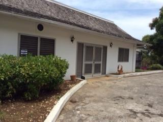 Comfortable 4 bedroom Villa in Runaway Bay - Runaway Bay vacation rentals