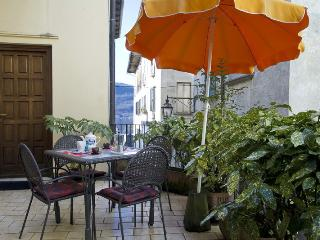 COSY,  CENTRAL  APARTMENT LAKE VIEW - Orta San Giulio vacation rentals