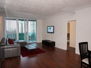 OCEANFRONT 1/1.5 + DEN ON THE 7TH FL - Hallandale vacation rentals