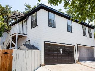 2 bedroom Cottage with Internet Access in Austin - Austin vacation rentals