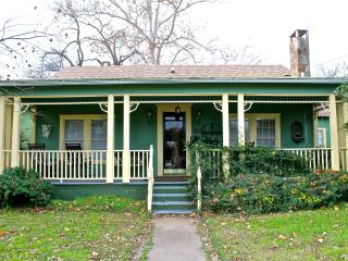 Adorable Historic Home Downtown Marble Falls - Marble Falls vacation rentals