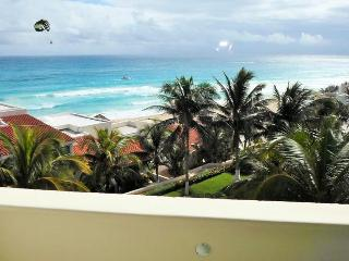 Perfect Cancun Studio rental with A/C - Cancun vacation rentals