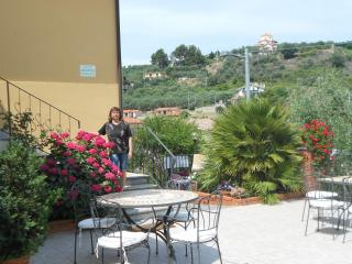 Bright 7 bedroom Townhouse in Imperia - Imperia vacation rentals