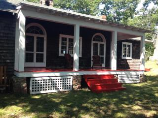 Enjoy Privacy and Tranquility in the 1000 Islands! - Gananoque vacation rentals