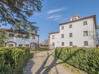 Fascinating manor in Tuscany - Alberoro vacation rentals