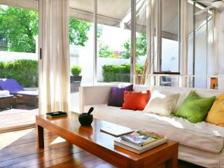 Bright & Airy 2 Bedroom Apartment in Palermo Soho - Buenos Aires vacation rentals