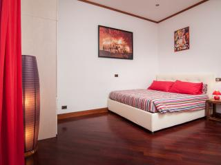 Colosseo apartment - Rome vacation rentals