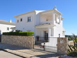 Villa Valentina (10min walk to Meia Praia beach) - Lagos vacation rentals