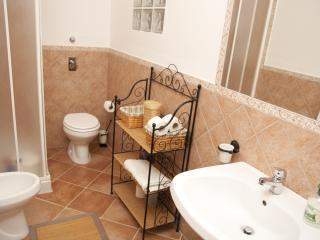 Nice B&B with Internet Access and Towels Provided - Nubia vacation rentals