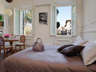 NEW! Bedandview Deluxe suite with great Dome view - Florence vacation rentals