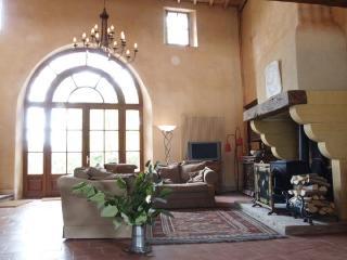 Maison d'Artistes - 4 bedrooms - rural & relaxing - Mirepoix vacation rentals