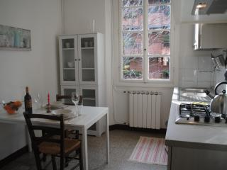 Cozy and bright near city center - Florence vacation rentals