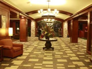 Appalachian Lodge Top Floor W/ Mountain Views - Vernon vacation rentals