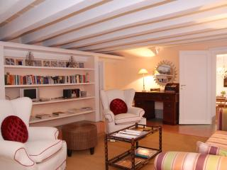 Tuscan 3 Bedroom Vacation House at Il Mezzanino in Lucca - Lucca vacation rentals