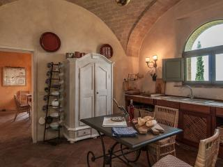Nice Villa with Internet Access and Television - Poggio alle Mura vacation rentals