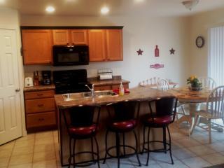 """The Americana""  St George Utah Condo $129./nt up - Lahaina vacation rentals"
