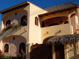 Casa Alegre - Duplex in town! - San Pancho - San Pancho vacation rentals
