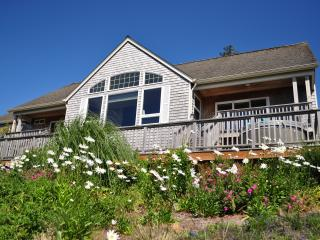 BEAUTIFUL CUSTOM HOME WITH AMAZING OCEAN VIEW - Neskowin vacation rentals