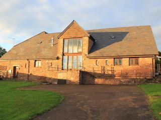 Great Barn (south wing), Trebandy Farm, Marstow, - Ross-on-Wye vacation rentals