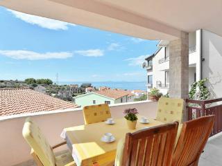 Beautiful sunny 4 bedroom apartment - Podstrana vacation rentals