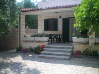 Villa Melena a 150 mt dal mare con tutti i confort - Mattinata vacation rentals