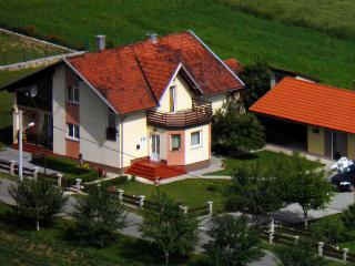 Cozy 2 bedroom Apartment in Otocac - Otocac vacation rentals