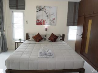 2 Bedrooms Apartment for 4 PAXs, lovely&clean - Ko Lanta vacation rentals