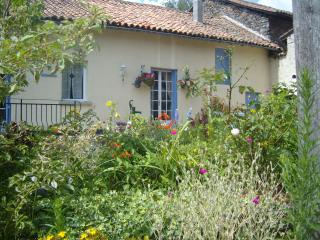 Comfortable House with Private Pool & Large Garden - La Chapelle Montbrandeix vacation rentals