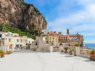 Sunny apartment on the Amalfi Coast - Atrani vacation rentals