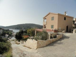 Charming holiday house, 30 meters from sea - Sevid vacation rentals