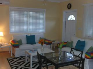 Best Deal - Tropical Island, Sunflower Suite - South Palmetto Point vacation rentals
