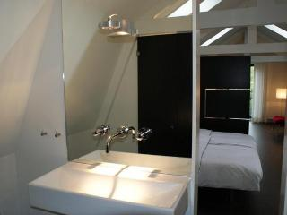 Nice Condo with Internet Access and Shampoo Provided - Enkhuizen vacation rentals