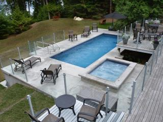 4 bedroom House with Deck in Pender Island - Pender Island vacation rentals