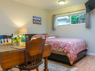 Quiet Downtown Cottage - Walk Everywhere - Santa Cruz vacation rentals