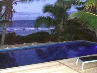 AVARO COTTAGE 25 steps to beach & shared pool - Rarotonga vacation rentals