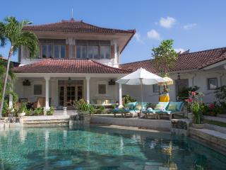 Puri Dana - Seminyak Oasis in Amazing Location - Seminyak vacation rentals