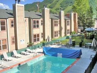 2BR Jackson Hole Towncenter close to Town Square - Jackson vacation rentals