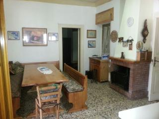 Bright 3 bedroom Mongiana Apartment with Television - Mongiana vacation rentals