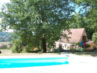 Bright Gite with Internet Access and Satellite Or Cable TV - Thonac vacation rentals