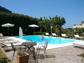 SORRENTO CENTRE COMPLEX WITH POOL - Sorrento vacation rentals