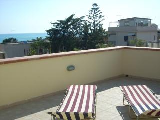 Cozy 2 bedroom Apartment in San Leone - San Leone vacation rentals