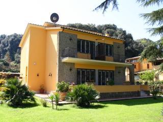 3 bedroom Bed and Breakfast with Internet Access in Anguillara Sabazia - Anguillara Sabazia vacation rentals