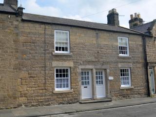 Historic cottage in picturesque Corbridge - Corbridge vacation rentals