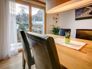 Sunny 3 bedroom Apartment in Zermatt with Internet Access - Zermatt vacation rentals