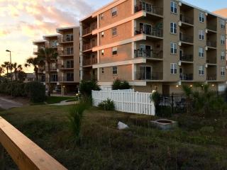 DIRECT Oceanfront  Get-Away - Jacksonville Beach vacation rentals
