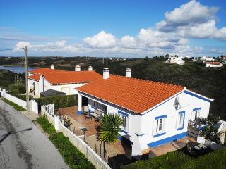 Casa Sunshine - perfect for couples and young kids - Aljezur vacation rentals